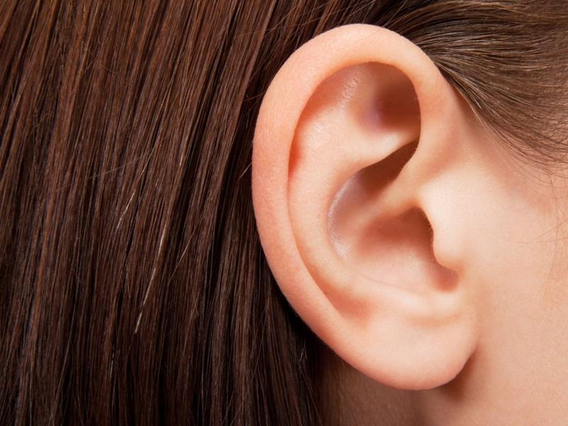 Badanie słuchu uczniów z terenów wiejskich.