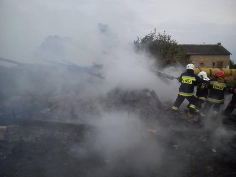 Budynek spłonął po uderzeniu pioruna