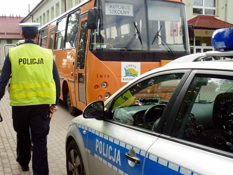 Nietrzeźwy kierowca wiózł dzieci do szkoły