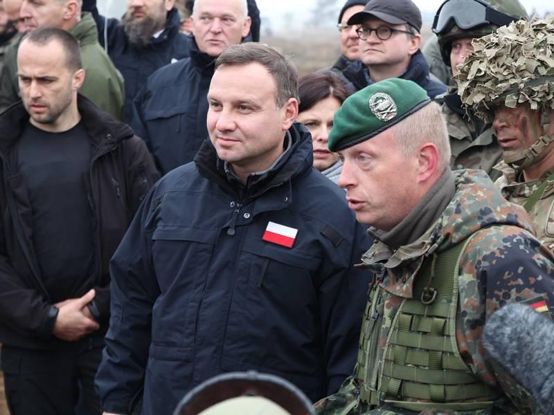 Prezydent Andrzej Duda spotkał się z żołnierzami