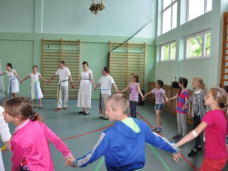 """Warsztaty """"Tańce w kręgu"""" w ŚDS"""