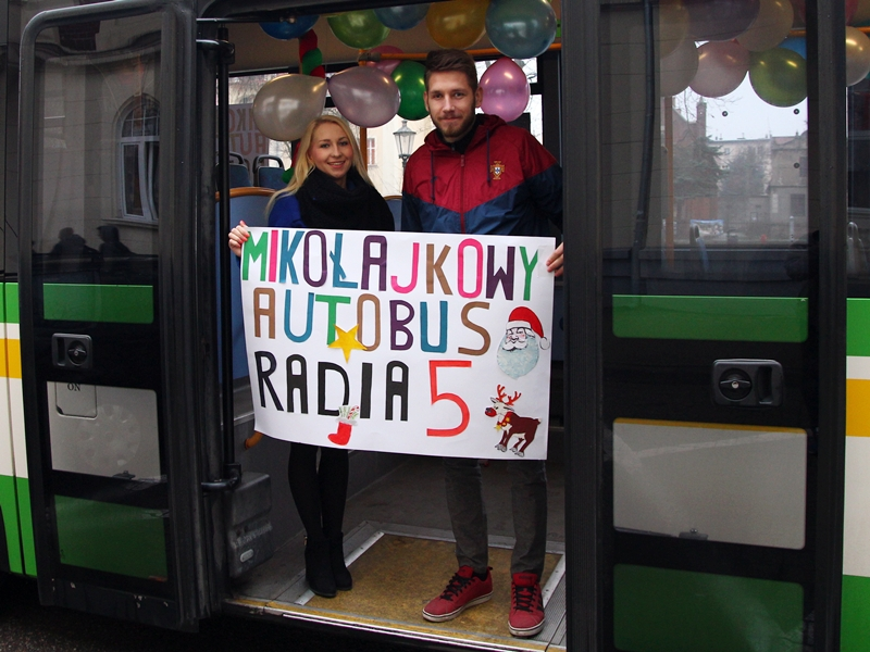 W trasę ruszył Mikołajkowy Autobus Radia 5