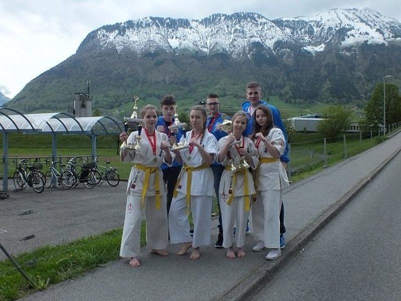 Trzy medale karateków