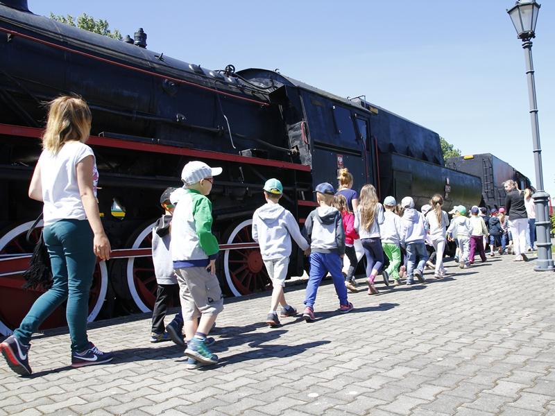 """""""Stoi na stacji lokomotywa…"""""""