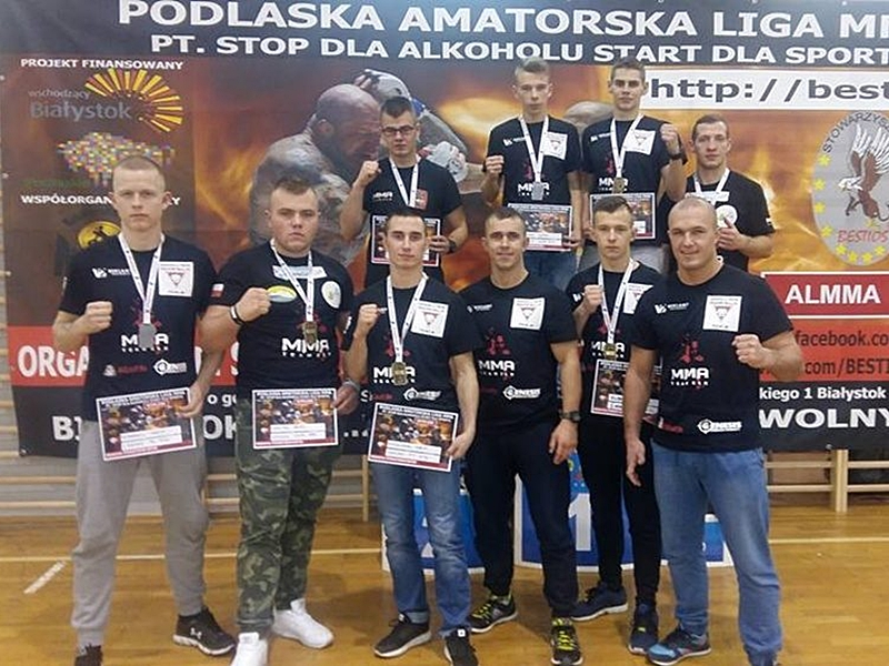 8 medali zawodników MMA Team Ełk
