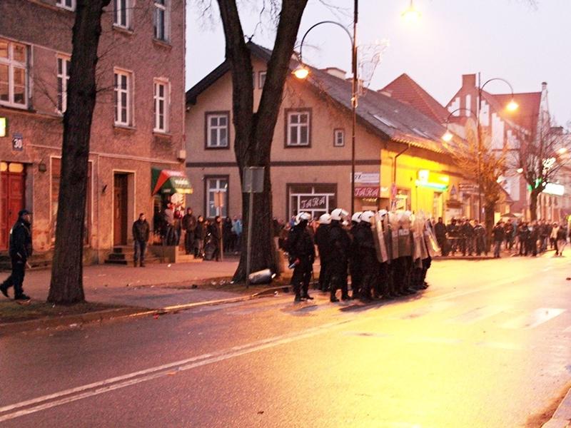 Manifestacje i zamieszki po śmierci 21-latka