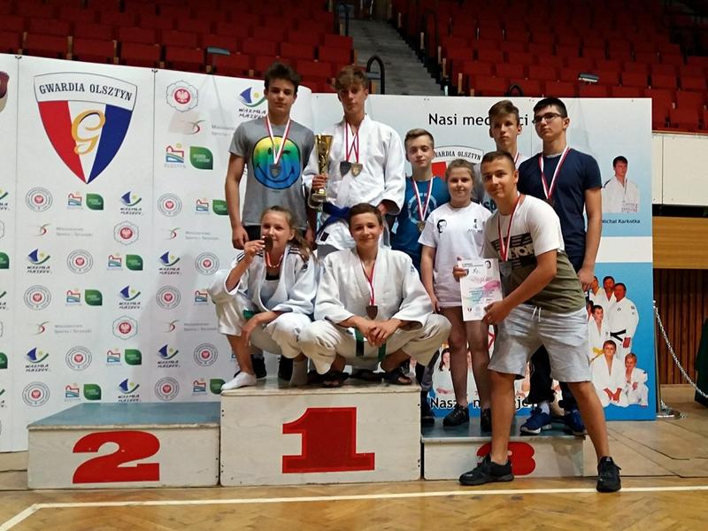 12 medali ełckich judoków