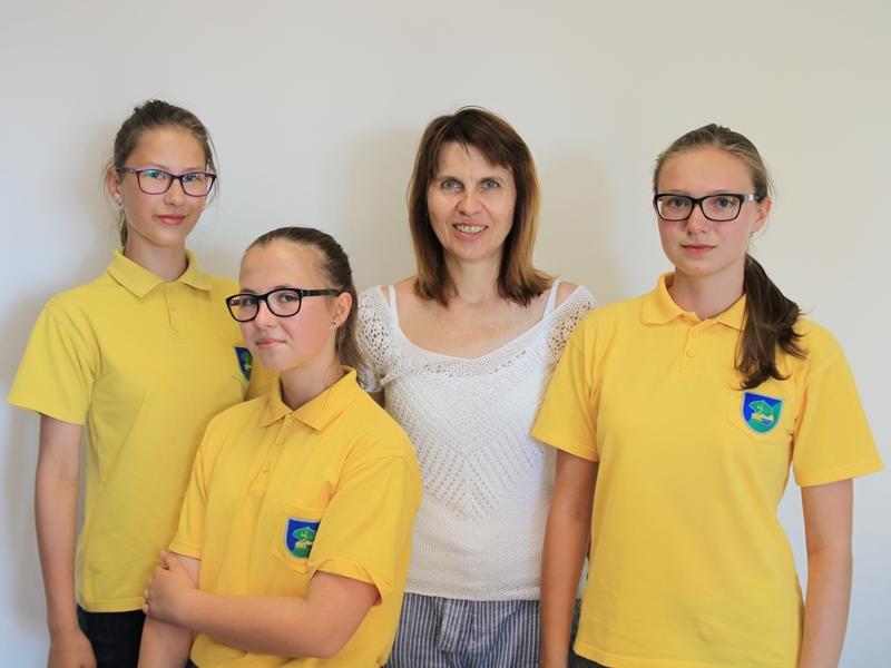 Przedstawicielki Szkoły Podstawowej nr 4 w Ełku