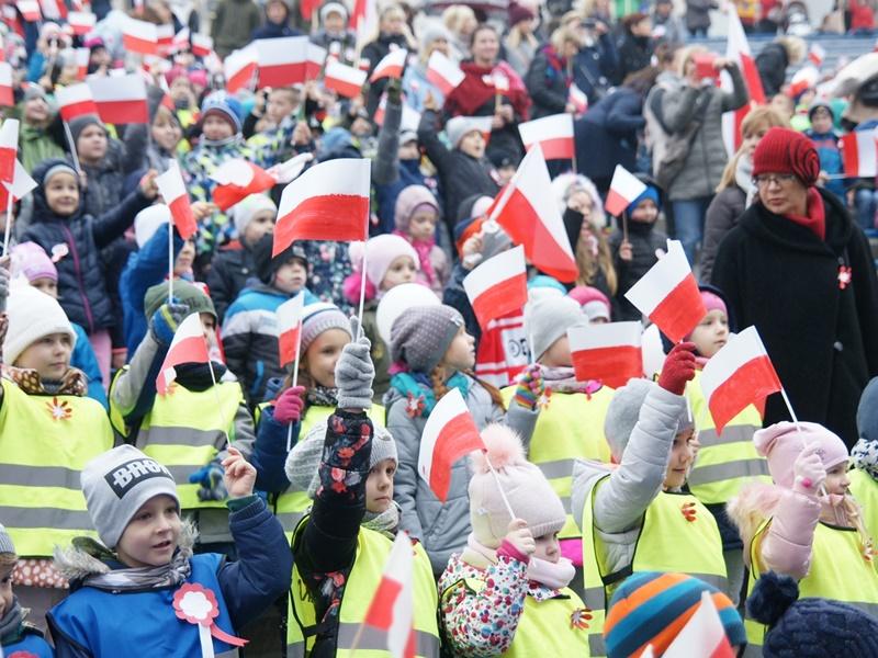 Najmłodsi dla Niepodległej. Dzieci śpiewały hymn