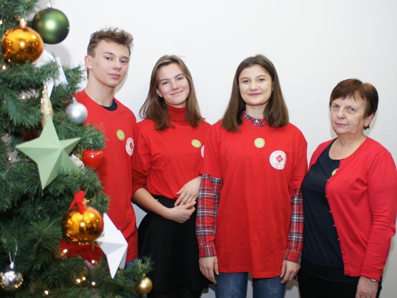 Wolontariusze Szkolnego Koła Caritas II LO