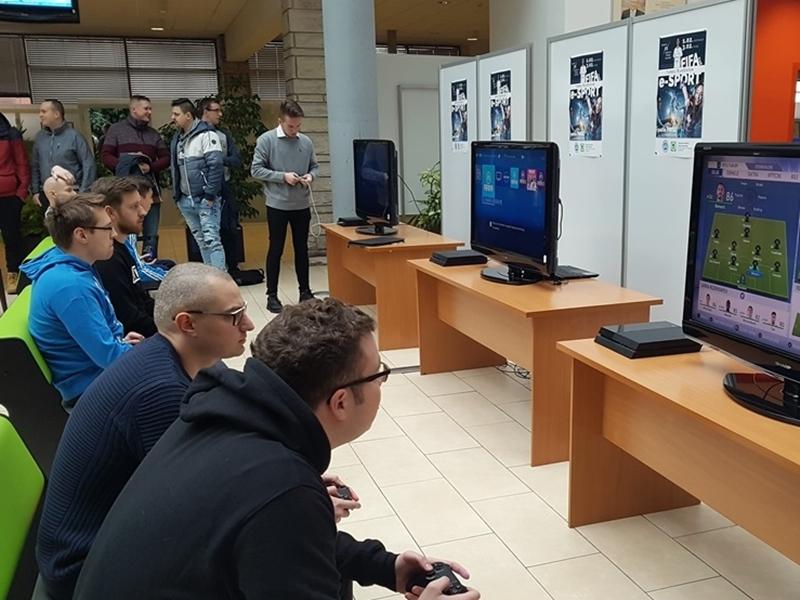 I turniej e-sportowy w PWSZ