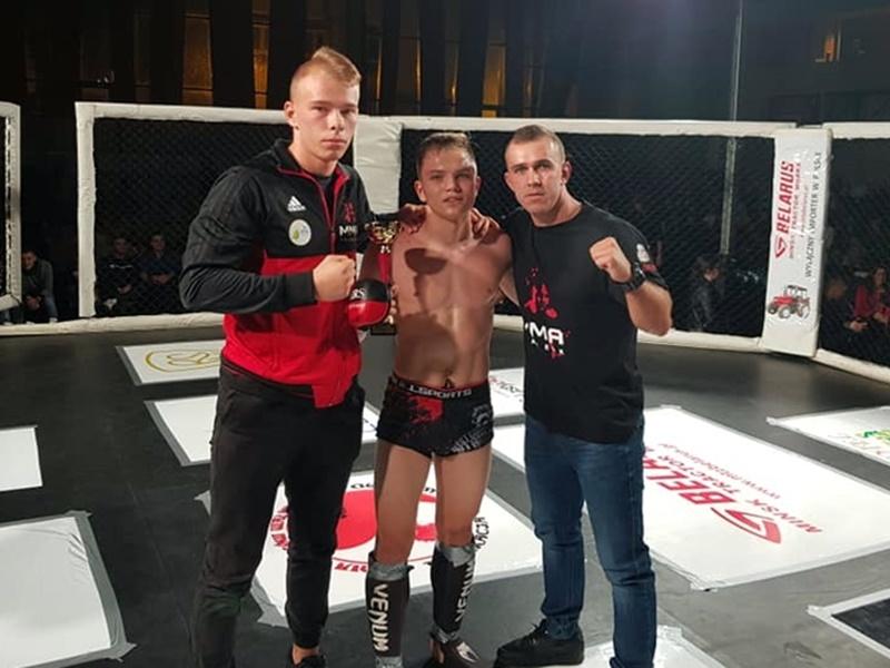 Kolejny sukces 17-letniego fightera