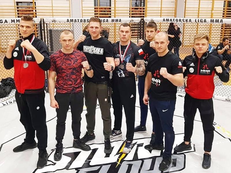 Dwa medale zawodników MMA Team Ełk