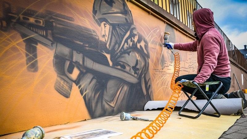 Murale pomogą przyciągnąć jeszcze więcej turystów do Orzysza