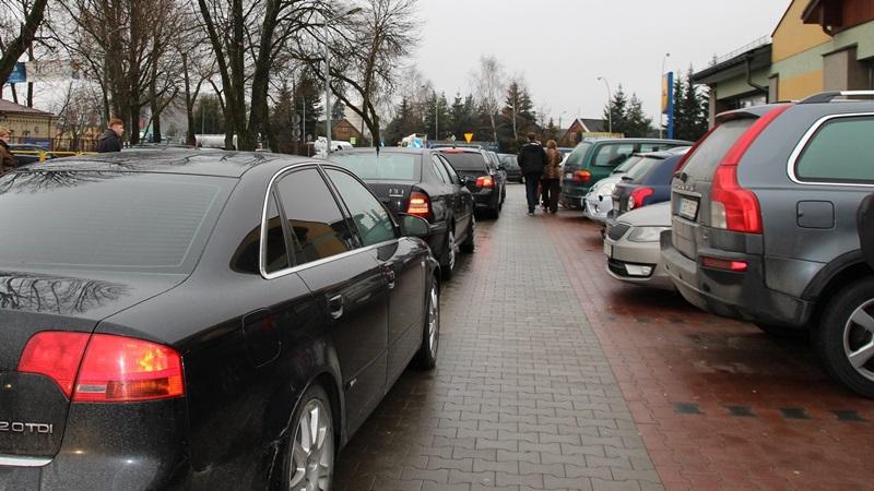 Więcej parkingów i KISS&RIDE